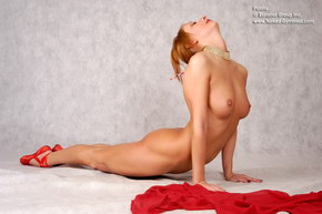 video and pics of naked flexible girls