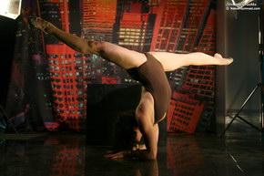 natasha super flexible girl