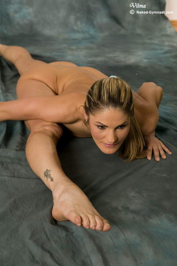 gibkaya-muskulistaya-seks-devushka