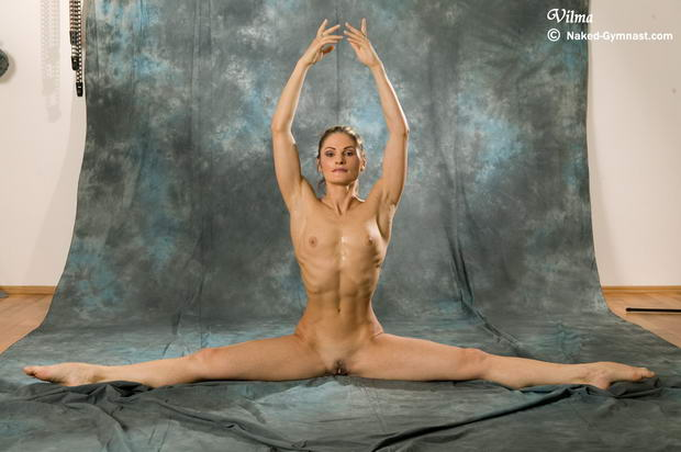 flexible ebony nude