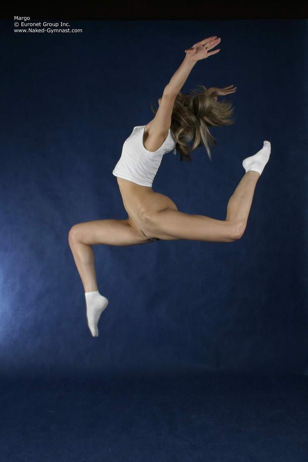 flexibles nude girls